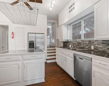 4313 Avondale Avenue - Photo Thumbnail 39