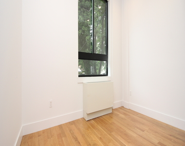 827 Jefferson Ave - Unit: 2R - Photo Thumbnail 10