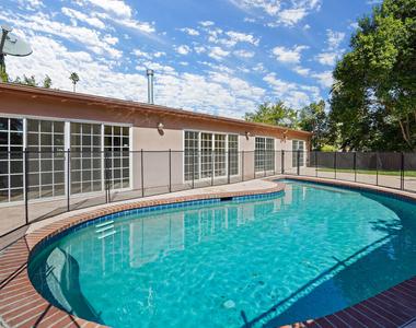 5707 Comanche Ave - Photo Thumbnail 29