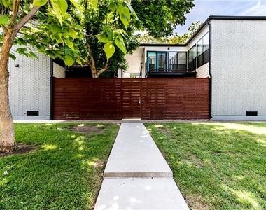 2806 Reagan Street - Photo Thumbnail 9