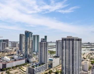 400 Nw 1st Avenue - Photo Thumbnail 0