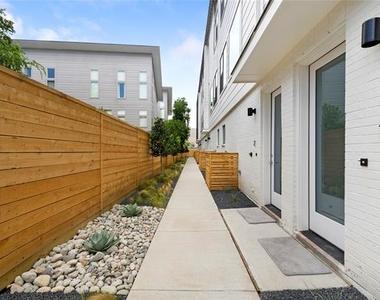 5022 Belmont Avenue - Photo Thumbnail 15