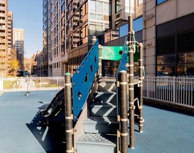 Columbus Avenue - Photo Thumbnail 10