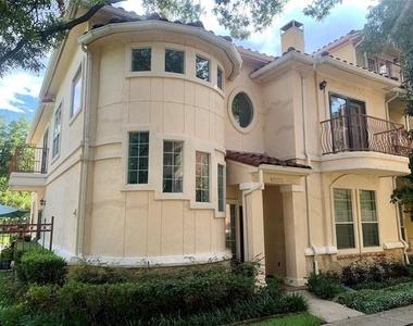 7801 Linwood Avenue - Photo Thumbnail 1