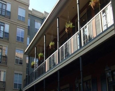 3210 Louisiana St - Photo Thumbnail 2
