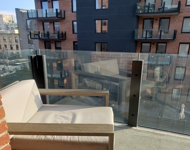 Williamsburg, Brooklyn - Photo Thumbnail 5