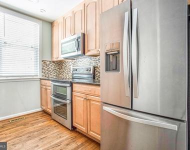 104 W Montgomery Street - Photo Thumbnail 1