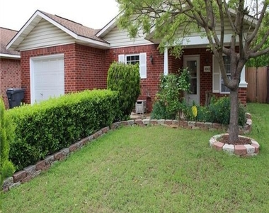 4043 Gray Oak Place - Photo Thumbnail 3