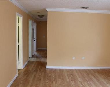 4043 Gray Oak Place - Photo Thumbnail 10