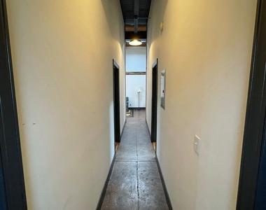 916 Washington Blvd - Upper Floor - Photo Thumbnail 4