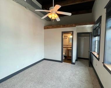 916 Washington Blvd - Upper Floor - Photo Thumbnail 8