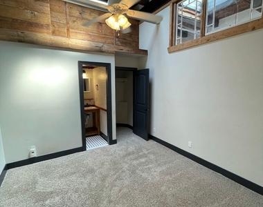 916 Washington Blvd - Upper Floor - Photo Thumbnail 40