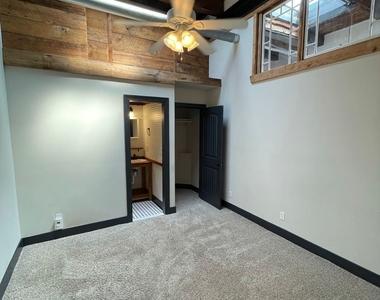 916 Washington Blvd - Upper Floor - Photo Thumbnail 37