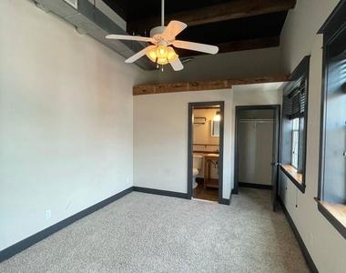 916 Washington Blvd - Upper Floor - Photo Thumbnail 6
