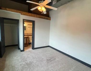916 Washington Blvd - Upper Floor - Photo Thumbnail 14