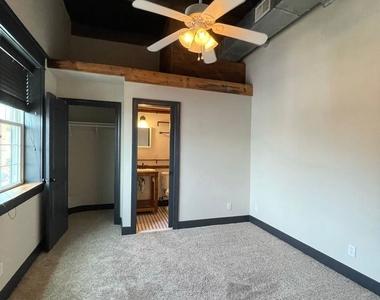 916 Washington Blvd - Upper Floor - Photo Thumbnail 15