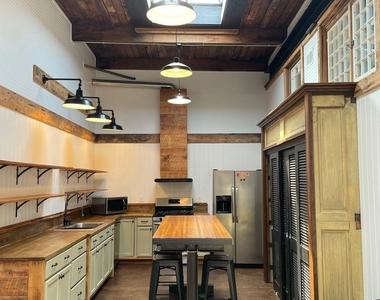 916 Washington Blvd - Upper Floor - Photo Thumbnail 1