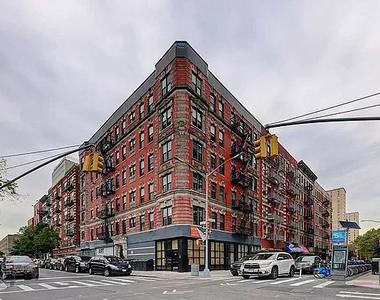 106 Ridge Street - Photo Thumbnail 7