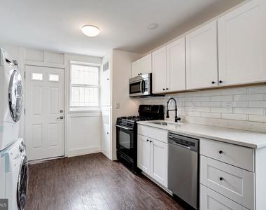 810 Otis Place Nw - Photo Thumbnail 2