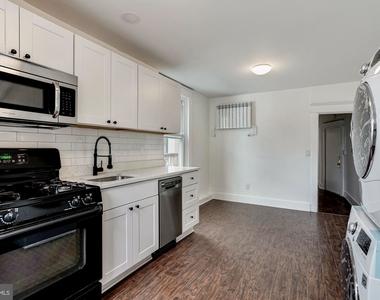 810 Otis Place Nw - Photo Thumbnail 1