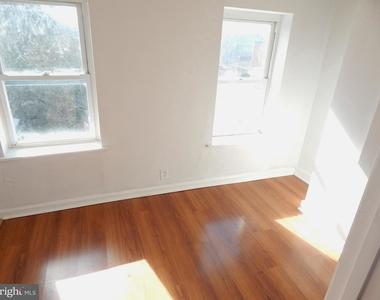 935 W Lombard Street - Photo Thumbnail 14
