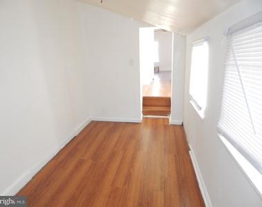 935 W Lombard Street - Photo Thumbnail 6