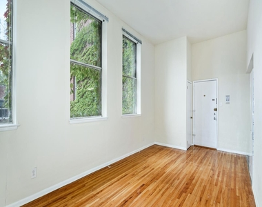 1720 Lombard Street - Photo Thumbnail 0