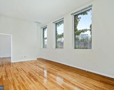 1720 Lombard Street - Photo Thumbnail 10
