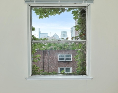1720 Lombard Street - Photo Thumbnail 12