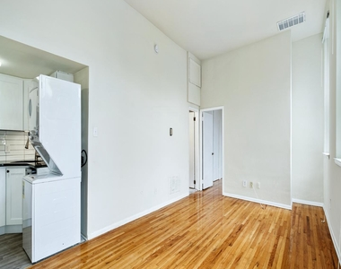 1720 Lombard Street - Photo Thumbnail 11