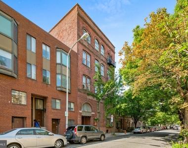 1720 Lombard Street - Photo Thumbnail 20