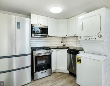 1720 Lombard Street - Photo Thumbnail 9