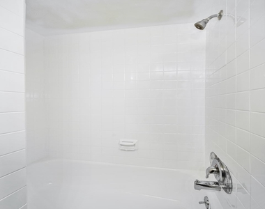 1720 Lombard Street - Photo Thumbnail 18