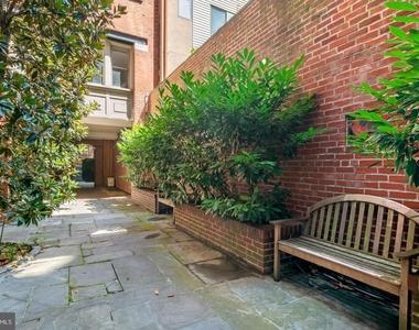 1720 Lombard Street - Photo Thumbnail 6