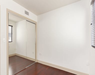 1409 Armacost Ave - Photo Thumbnail 15