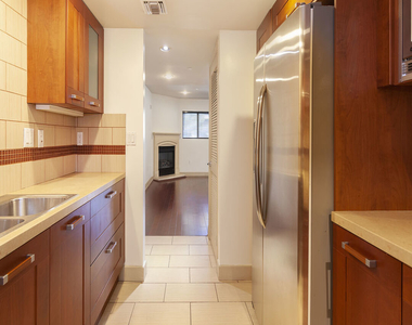 1409 Armacost Ave - Photo Thumbnail 11