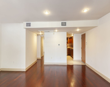 1409 Armacost Ave - Photo Thumbnail 7