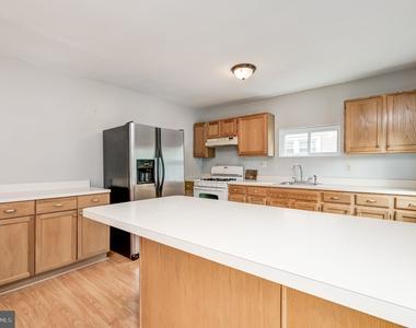 3406 Chesley Avenue - Photo Thumbnail 13