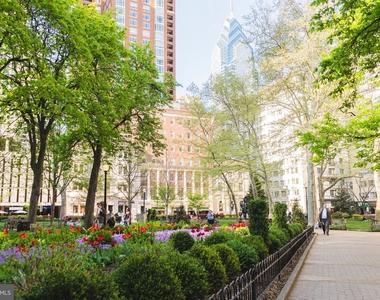 222 W Rittenhouse Square - Photo Thumbnail 17