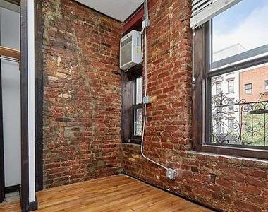 East 12th Street - Photo Thumbnail 8