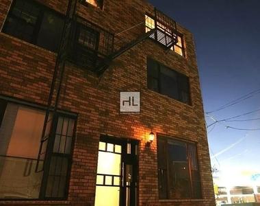 154 Woodward Avenue - Photo Thumbnail 7