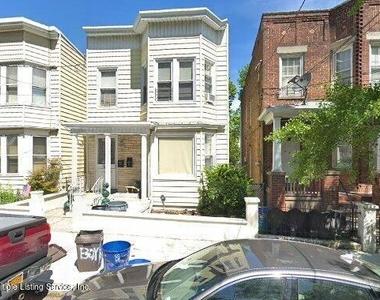 213 Chestnut Avenue - Photo Thumbnail 0