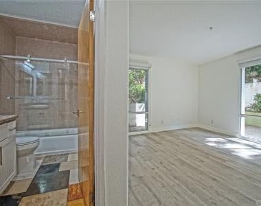 650 Kelton Avenue - Photo Thumbnail 28