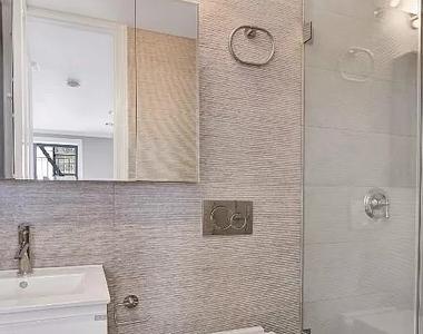 4 beds 4 baths Flat - Photo Thumbnail 7