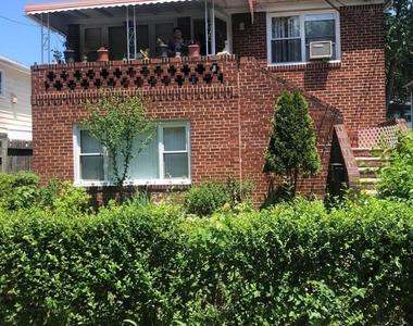 39 Dongan Hills Ave - Photo Thumbnail 0