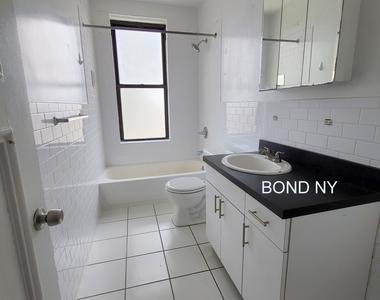 West 178th Street - Photo Thumbnail 6