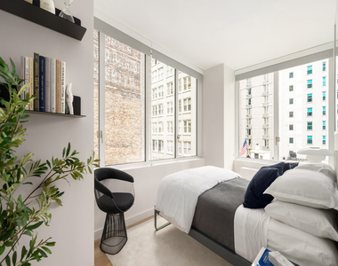 Top Tier Luxury Building on West 37th street with Private Terrace - Photo Thumbnail 2