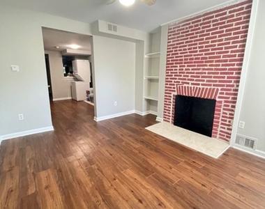 1008 W. Lombard Street - Photo Thumbnail 2