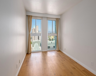 800 W 1st Street - Photo Thumbnail 15