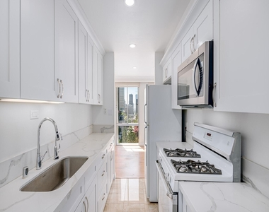 800 W 1st Street - Photo Thumbnail 13